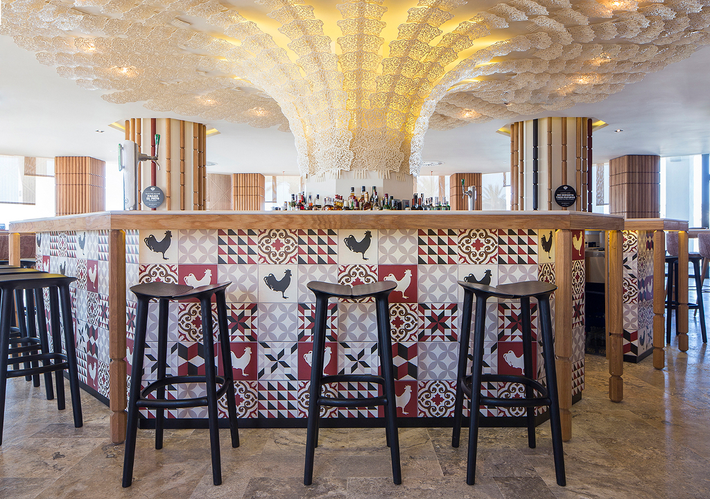 restaurante ibiza, restaurante de diseño, diseño de restaurantes, taburetes restaurantes, muebles restaurantes, mobiliario contract